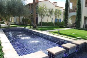 Three-Bedroom Ground Floor Villa Unit 394 by Reynen Luxury Homes, Holiday homes  La Quinta - big - 8