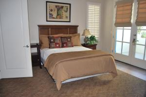 Three-Bedroom Ground Floor Villa Unit 394 by Reynen Luxury Homes, Holiday homes  La Quinta - big - 5