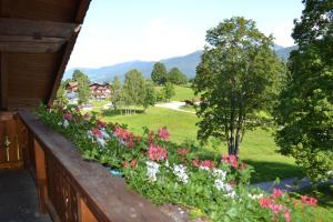 Haus Heidi, Ferienwohnungen  Ramsau am Dachstein - big - 2