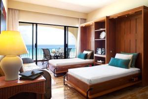 Two-Bedroom Apartment Ocean Front