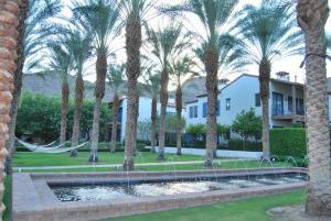 Three-Bedroom Ground Floor Villa Unit 394 by Reynen Luxury Homes, Holiday homes  La Quinta - big - 27
