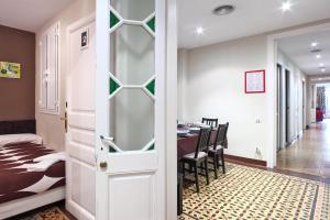 Five-Bedroom Apartment with Patio (6 Adults + 2 Children)