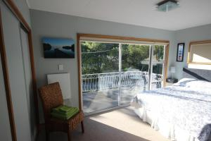 Driftwood house Bed and breakfast, Bed and breakfasts  Nelson - big - 9