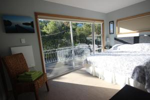 Driftwood house Bed and breakfast, Bed and breakfasts  Nelson - big - 5