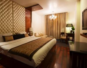 Hotel Aura, Отели  Нью-Дели - big - 76