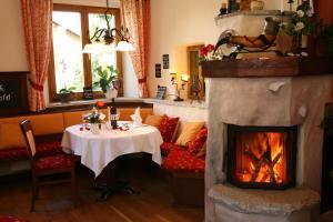 Gasthof zum Sonnenwald, Penziony  Schöfweg - big - 28