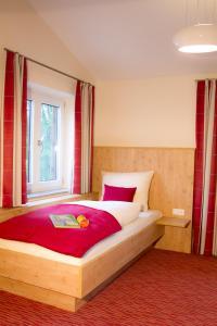 Gasthof zum Sonnenwald, Penziony  Schöfweg - big - 8
