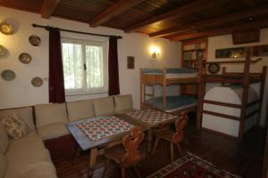 B&B Villa Dolomites Hut, Bed & Breakfast  San Vigilio Di Marebbe - big - 8
