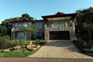 Loerie Luxury Villa
