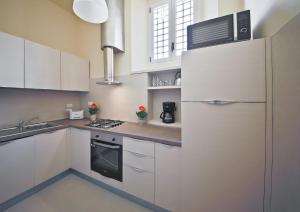 Apartments Florence - Alfani, Apartmanok  Firenze - big - 20