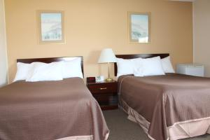 Premier Double Room with Two Double Beds - Non-Smoking