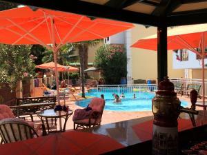 Bueno Hotel, Residence  Platanes - big - 7