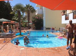 Bueno Hotel, Residence  Platanes - big - 9
