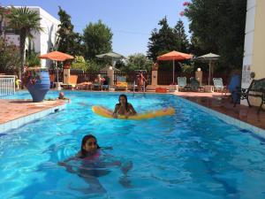 Bueno Hotel, Residence  Platanes - big - 3