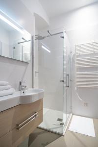 Luxury Apartments Centre of Opatija, Appartamenti  Opatija (Abbazia) - big - 24