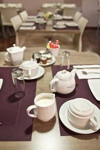 Brit Hotel Le Surcouf, Hotely  Saint Malo - big - 47