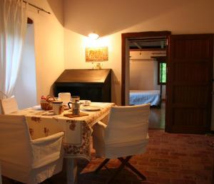 Villa Podere Quartarola, Farmy  Modigliana - big - 10