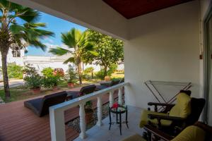 Le Tropique Villa, Holiday homes  Grand'Anse Praslin - big - 12