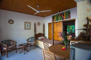 Le Tropique Villa, Holiday homes  Grand'Anse Praslin - big - 11