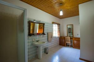 Le Tropique Villa, Holiday homes  Grand'Anse Praslin - big - 10