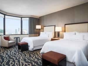 Grand Deluxe Room with Two Double Beds – City or Bay View