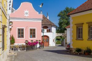 unser rosa Haus für Sie, Ferienwohnungen  Rust - big - 1