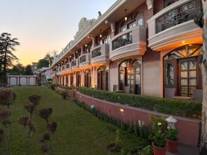 The Golden Palms Hotel and Spa