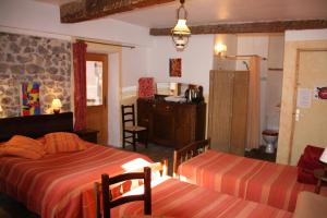 La petite étoile d'hôtes en Mercantour, Bed and breakfasts  Saint-Dalmas-le-Selvage - big - 3