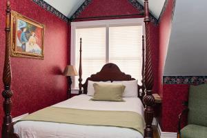Historic Queen Room