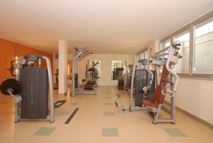 Residence & Suites Solaf, Aparthotely  Bonate di Sopra - big - 34