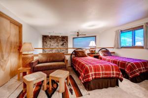 Two-Bedroom Marina Place Condo with Loft, Ferienwohnungen  Dillon - big - 4