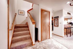 Two-Bedroom Marina Place Condo with Loft, Ferienwohnungen  Dillon - big - 13