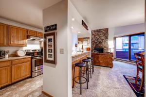 Two-Bedroom Marina Place Condo with Loft, Ferienwohnungen  Dillon - big - 16