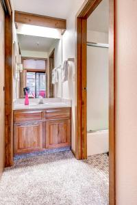 Two-Bedroom Marina Place Condo with Loft, Ferienwohnungen  Dillon - big - 18