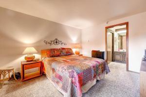 Two-Bedroom Marina Place Condo with Loft, Ferienwohnungen  Dillon - big - 6