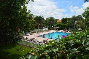 Ramada Naples, Hotely  Naples - big - 28