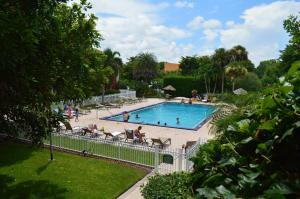 Ramada Naples, Hotely  Naples - big - 22