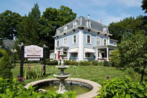Silver Fountain Inn