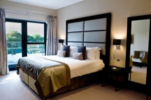 Представительский двухместный номер с 1 кроватью и балконом