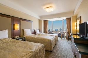 Standard Triple Room with City View - Non-Smoking