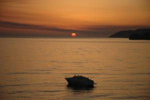 Magic Ionian Apartments & Rooms, Affittacamere  Himare - big - 91