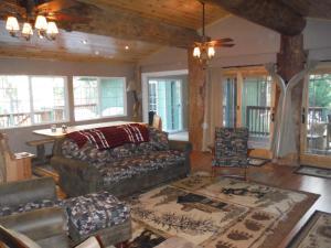 Manzanita Cabin - Bass Lake, Дома для отпуска  Окхерст - big - 12