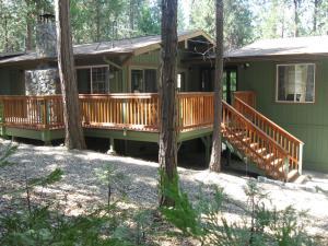 Manzanita Cabin - Bass Lake, Dovolenkové domy  Oakhurst - big - 9