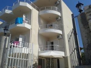 Magic Ionian Apartments & Rooms, Affittacamere  Himare - big - 19