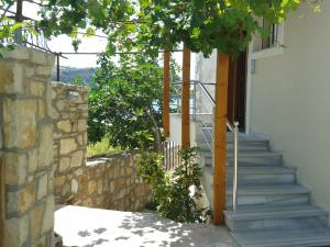 Magic Ionian Apartments & Rooms, Affittacamere  Himare - big - 17