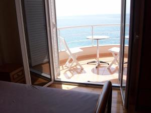 Magic Ionian Apartments & Rooms, Affittacamere  Himare - big - 21