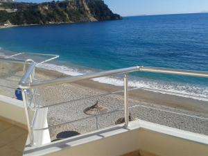 Magic Ionian Apartments & Rooms, Affittacamere  Himare - big - 7