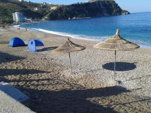 Magic Ionian Apartments & Rooms, Affittacamere  Himare - big - 3