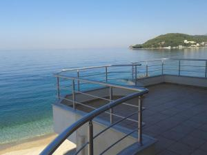 Magic Ionian Apartments & Rooms, Affittacamere  Himare - big - 77