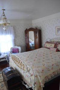 GlenMorey Country House, Bed and breakfasts  Placerville - big - 4
